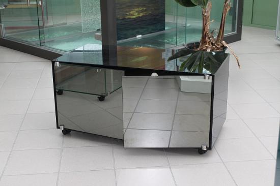 D co mobilier meuble en verre habillage et rev tement for Meuble mural en verre
